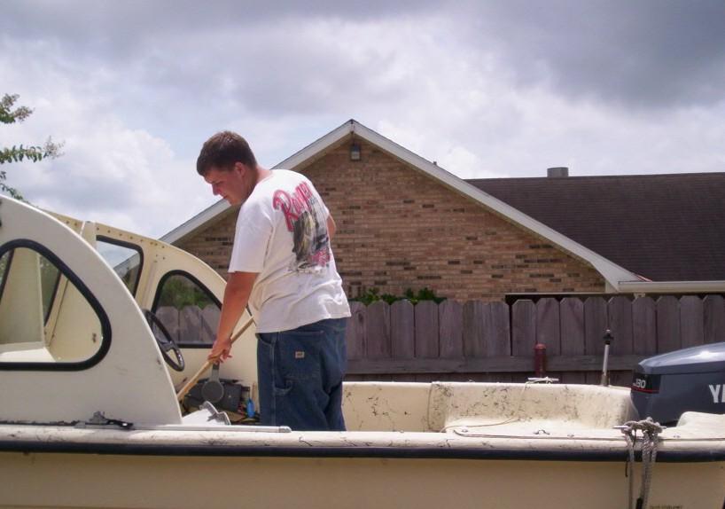 Bigboy cleaning boat