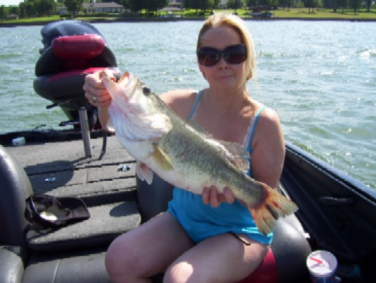 Debra with a 7 lber. from Richland Chambers